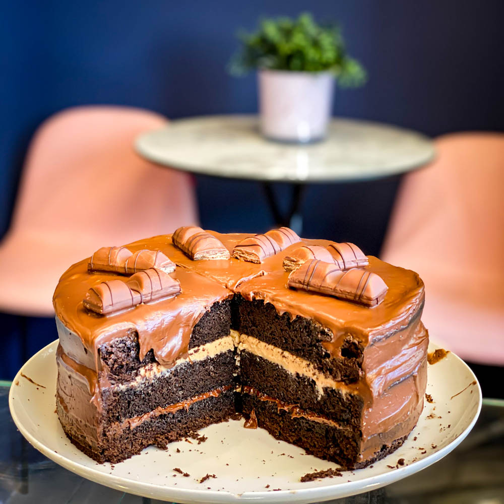 Cake Bueno online delivery Καρδίτσα
